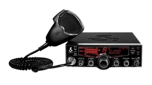 Staţia radio Cobra 29 LX EU pentru şoferii profesionişti!